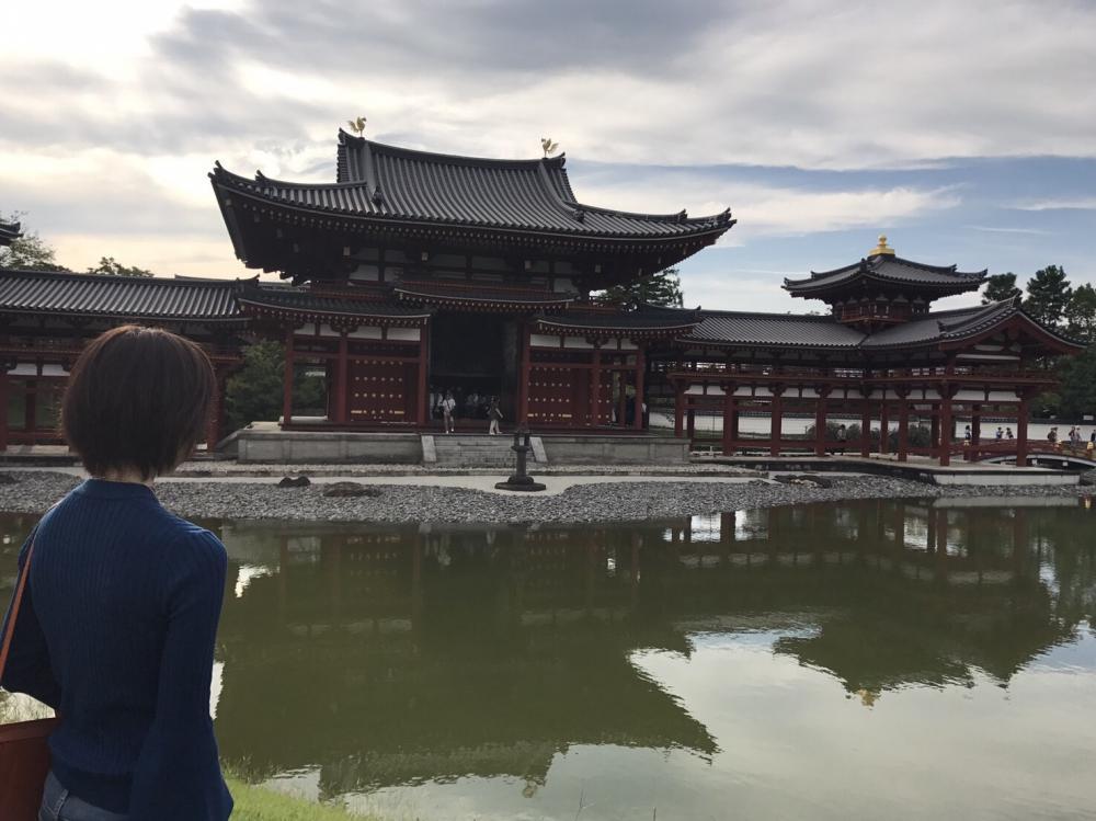神社やお寺が好きです。島根県の出雲大社は年に1回お参りに行きます。