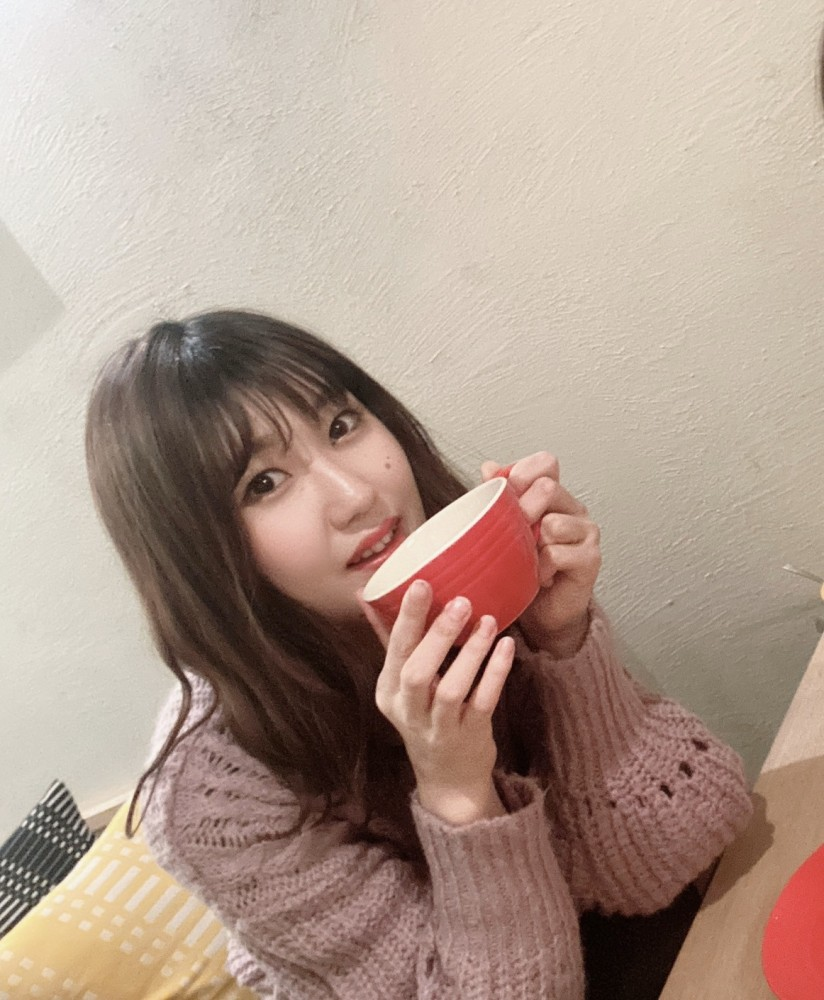休みの日は友人と京都でカフェ巡りをすることが多いです!<br /> 紅茶が好きなので甘いものと一緒にゆったりとした優雅な時間を過ごしています♪