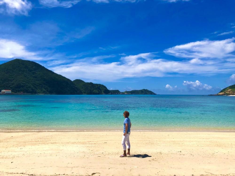 画像は沖縄の時の写真です。<br /> 真夏の海が大好きです。<br /> 海が好きとは言いますが<br /> 泳ぐのは並ですが、<br /> 深くまで潜るのが怖くて苦手です。(トラウマ有りです。)<br /> 内容は聞いて頂ければお話します。笑